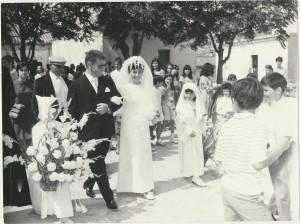 Gli sposi Luigi Congiu e Maria Golonai: archivio popolare fotografico