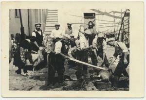 Uccisione del maiale: archivio popolare fotografico