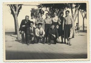 Gruppo di Onifai in pellegrinaggio: archivio popolare fotografico