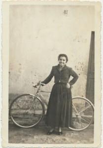 Battistina Lutzu: archivio popolare fotografico